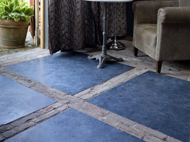 en mood sous le charme de la pierre bleue moody 39 s home. Black Bedroom Furniture Sets. Home Design Ideas